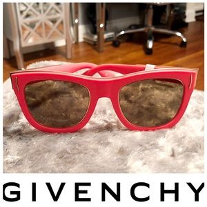 Givenchy retro sunglasses paid $410 NWT! 52mm styl